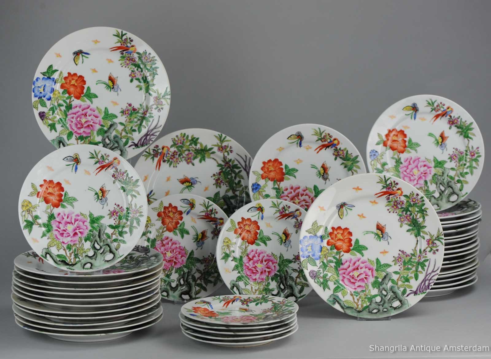 1970s Hong Kong or ProC Chinese Dinnerware set of 42 plates Qianlong Marked 1970s & Shangrila Antique